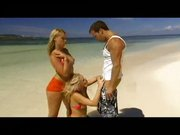 Anal i porno trójkącik na plaży