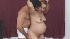 Seks z ciężarną tancerką