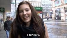 Oszłamiająca brunetka z ulicy