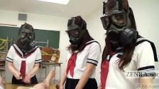 uczennice w maskach