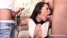 Nikita Bellucci lubi podwójną penetracje
