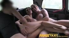 Czworokącik w taksówce